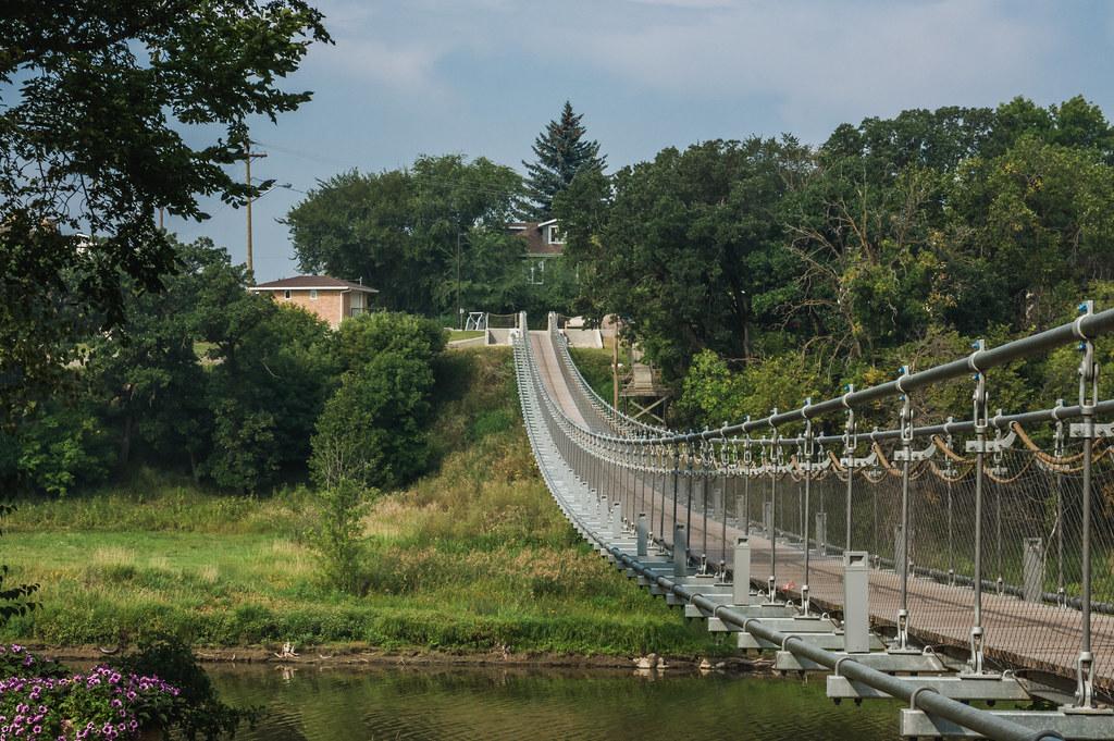 Bridge dam swinging should have