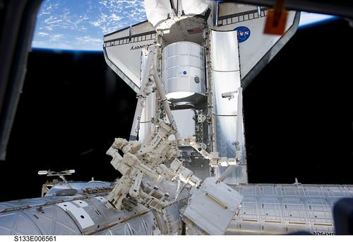VCSE - Mai kép - A Discovery űrsikló meglátogatja a Nemzetközi Űrállomást