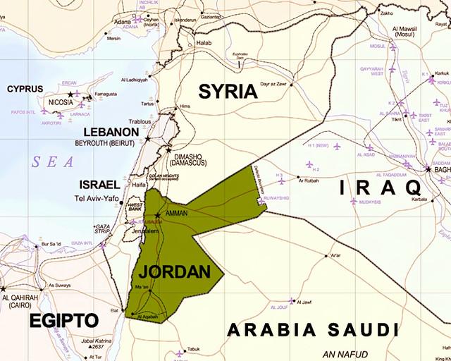 Mapa de Oriente Medio en el que se puede ver si es segura Jordania o no lo es