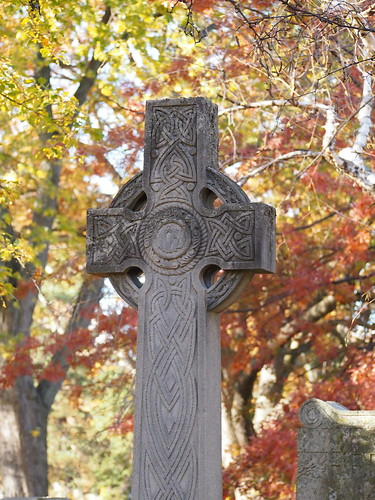 celtic cross tombstone in mount pleasant cemetery toronto
