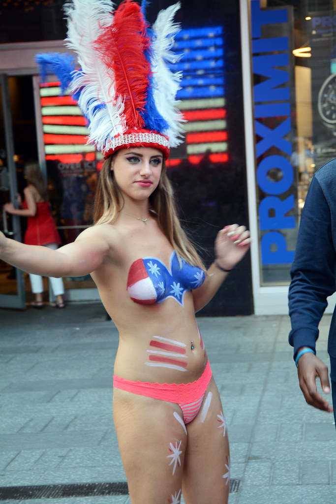 Women In Times Square In Nyc Wearing Only Body Paint Phot -9010