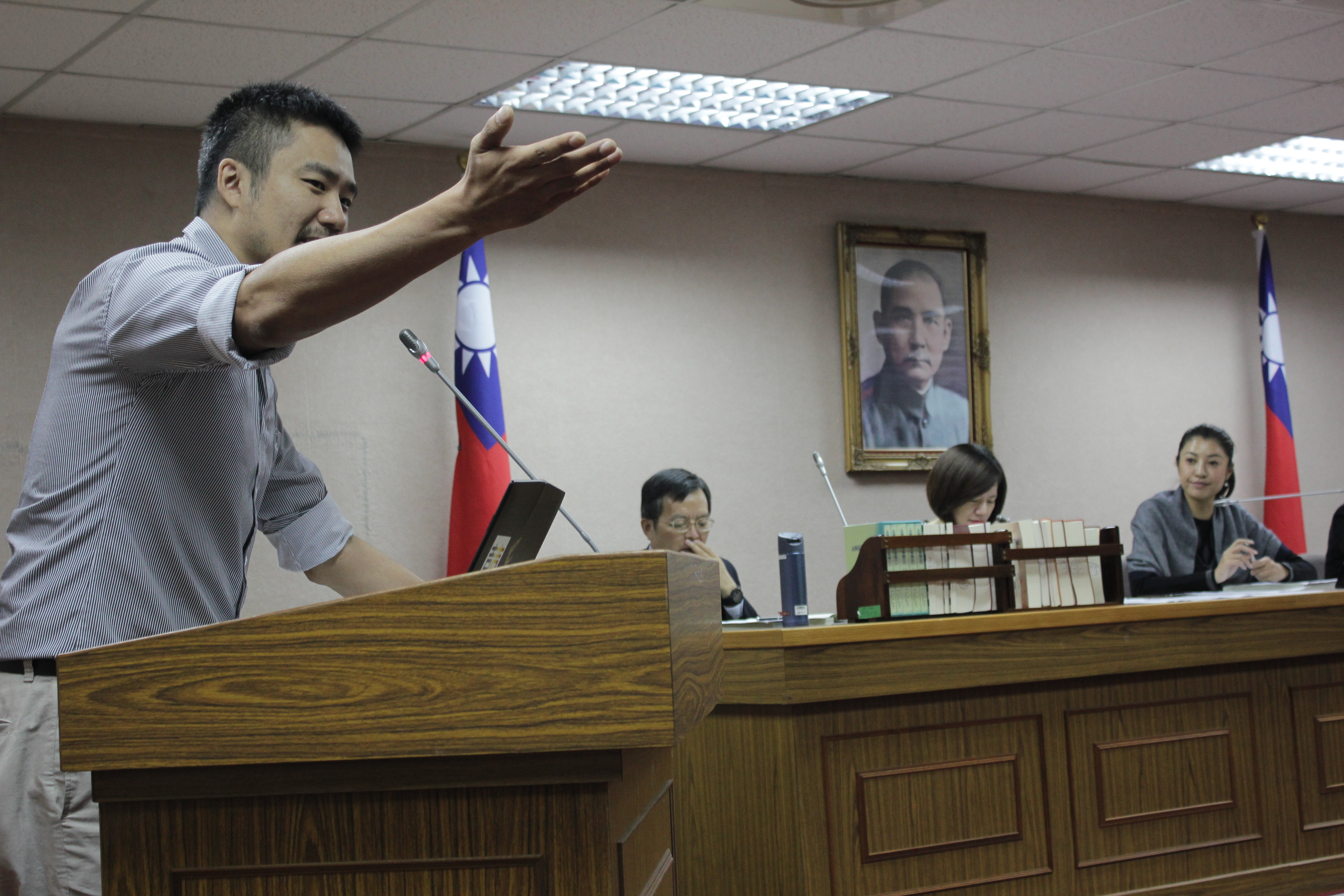 台灣國際同性權益促進會發言人陳志明表示,「同志與異性戀並沒有不同」。(攝影:張宗坤)