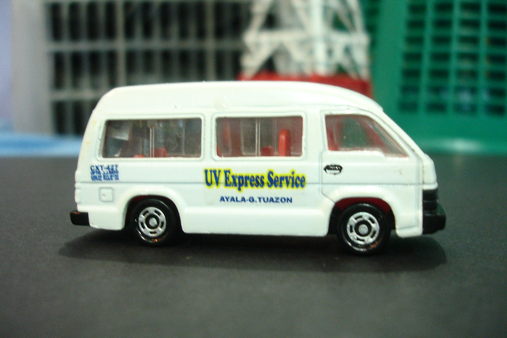 1988 Toyota Hi-Ace by Tomica (modified as UV Express Servi ...