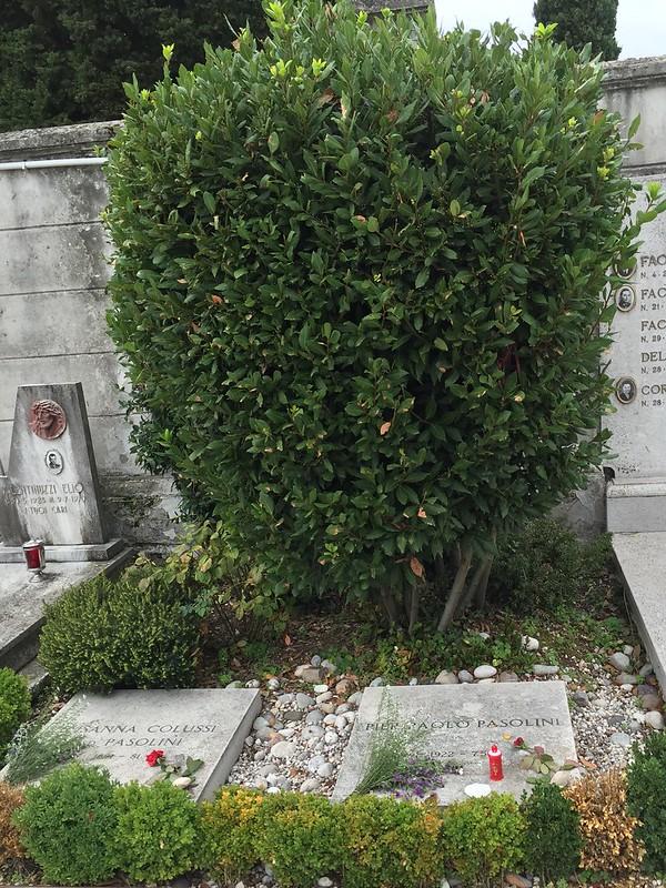 帕索里尼墓地