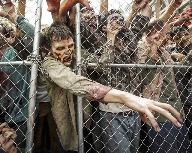 Día del estreno de la atracción The Walking Dead en Hollywood