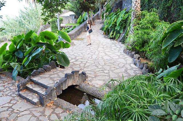 Paved walkways, Los Lavaderos gardens, El Sauzal, Tenerife