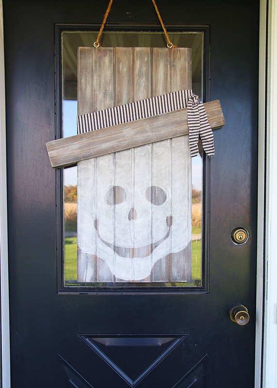 Neutral Seasonal Skeleton Ghost Door Hanger