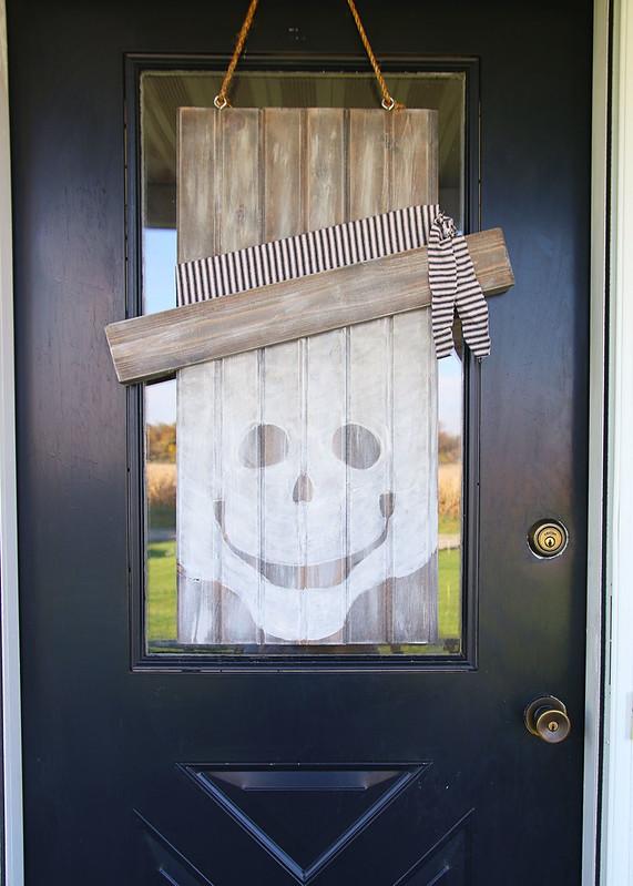 Neutral Seasonal Skeleton Ghost Door Hanger