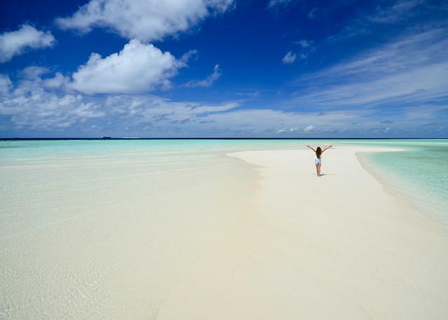 Playas vírgenes de Maldivas junto a Nilandhoo, nuestra isla en las Maldivas