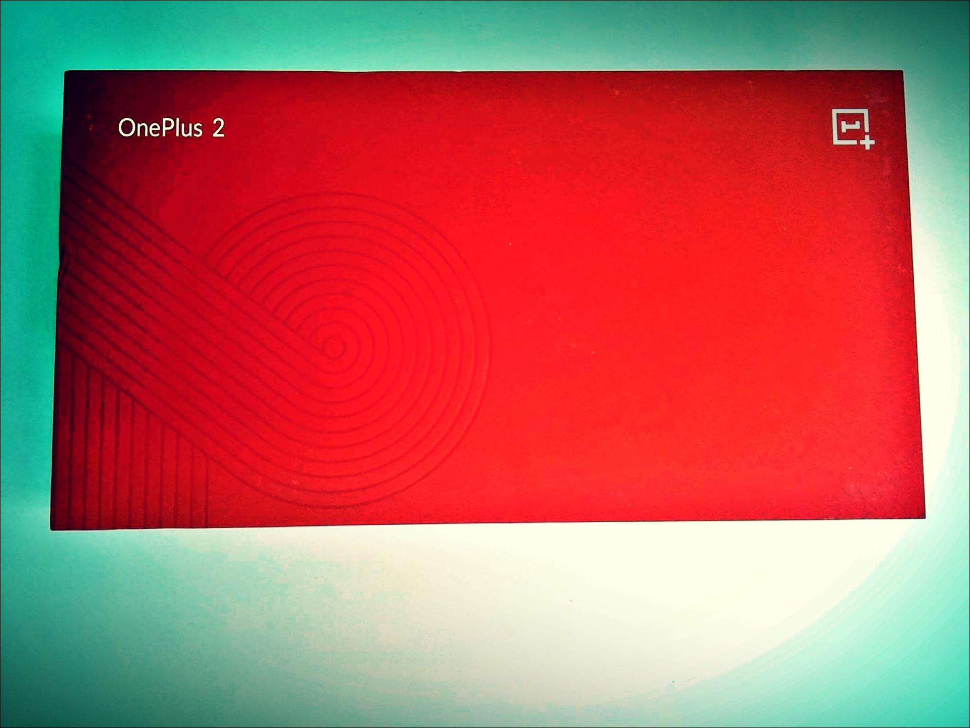 빨간 상자-'원플러스2 (Oneplus 2)'