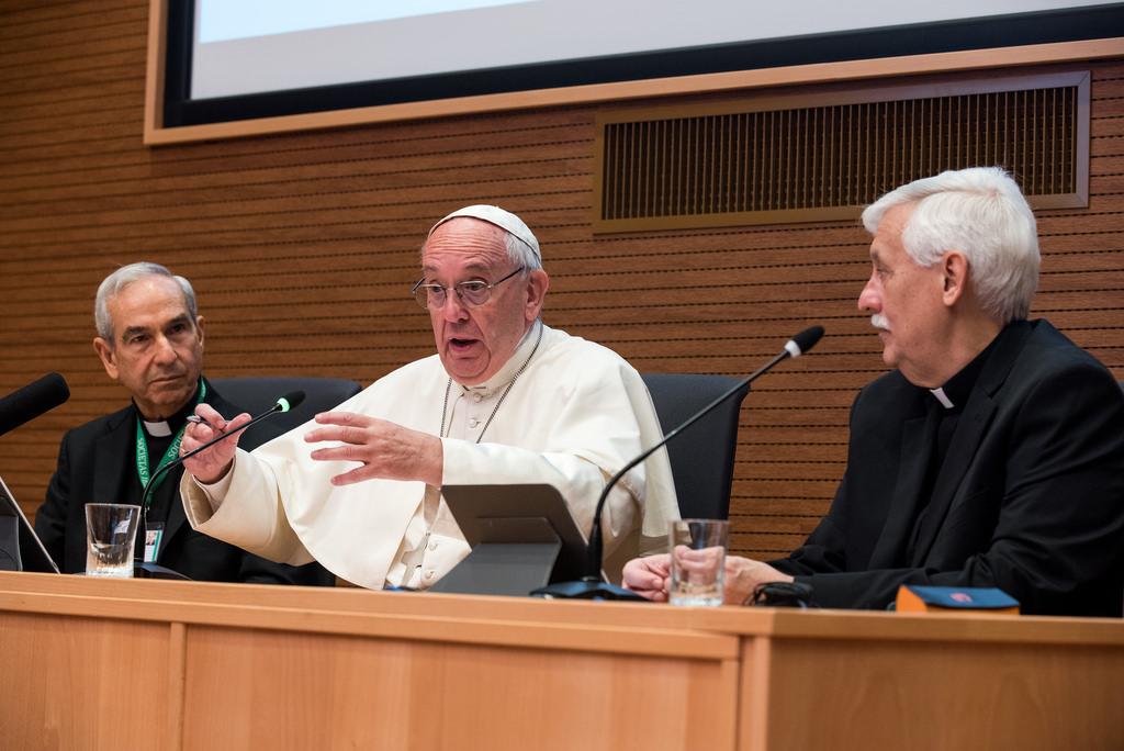 Đối Thoại Của Đức Thánh Cha Phanxicô Với Các Nghị Huynh Dòng Tên Trong Dịp Tổng Công Nghị Lần Thứ 36