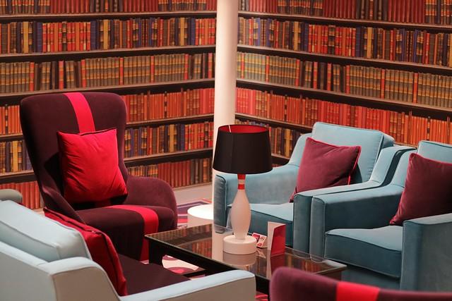 Virgin Money Lounge Sheffield - seating