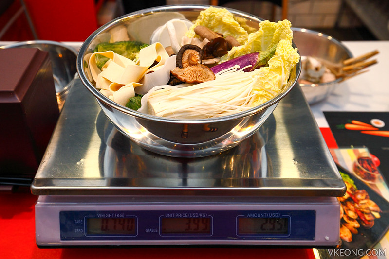Hotpot Kitchen Weighing Vegetables