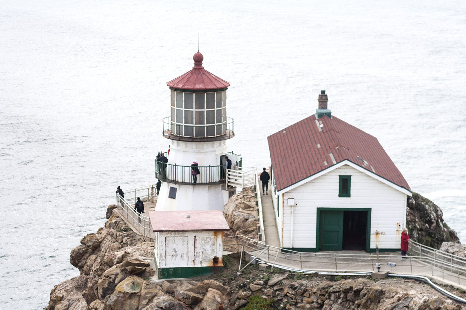 03pointreyes-lighthouse-coast-travel-style