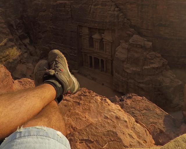 Sentado al borde de un mirador con vistas al secreto, uno de esos momentos Wanderlust, buscando su significado y del por qué nos gusta viajar