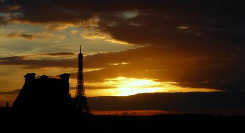Coucher de soleil sur la tour eiffel tour eiffel sunset paris flickr photo sharing - Coucher de soleil sur paris ...