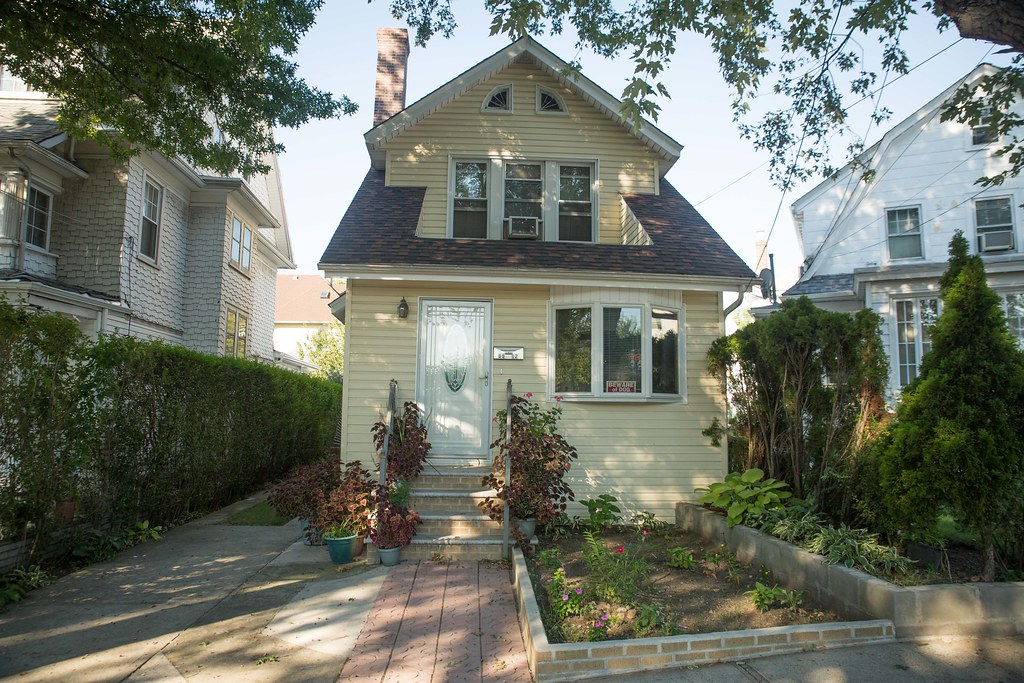 1 FAMILY RICHMOND HILL  -Under Contract-