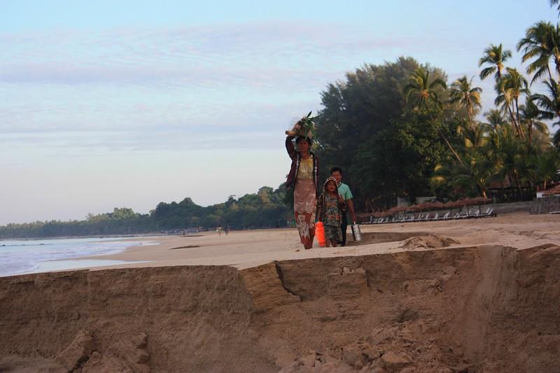 Пляж в Нгапали