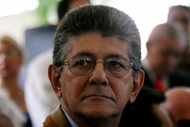 A Luis Manuel Díaz secretario del partido Acción Democrática (AD) le dispararon a corta distancia