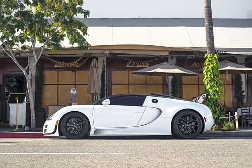 white bugatti veyron grand sport vitesse by axion23. Black Bedroom Furniture Sets. Home Design Ideas