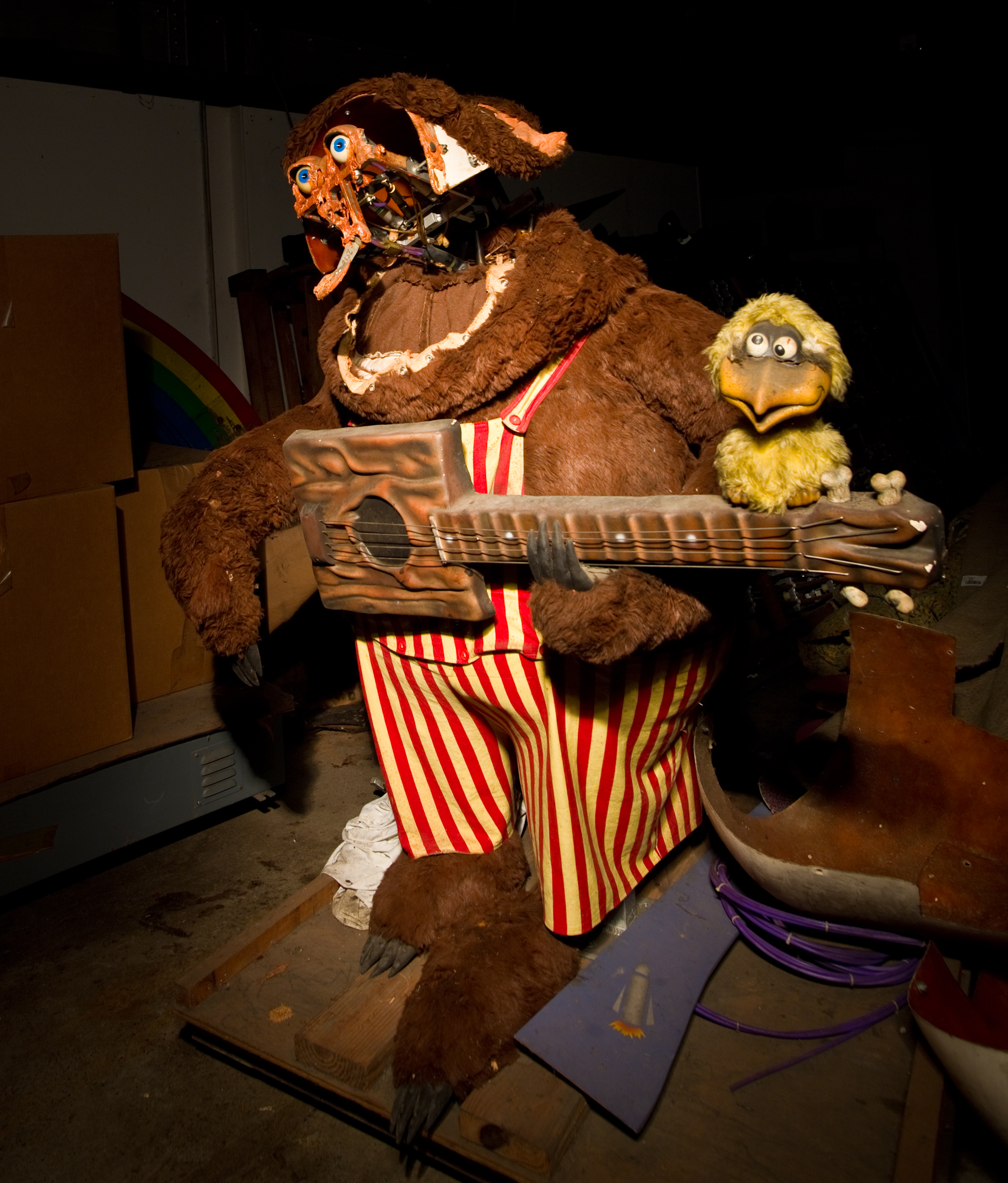 Abandoned Animatronics In Florida. : Creepy