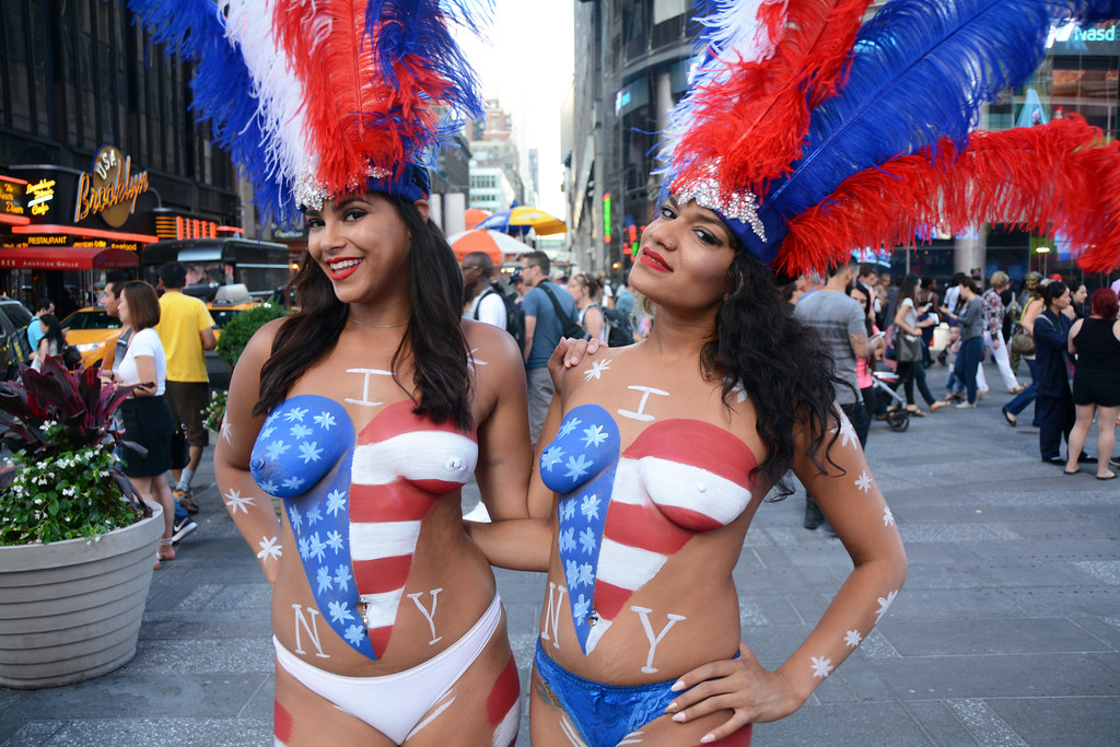 Women In Times Square In Nyc Wearing Only Body Paint Phot -7381