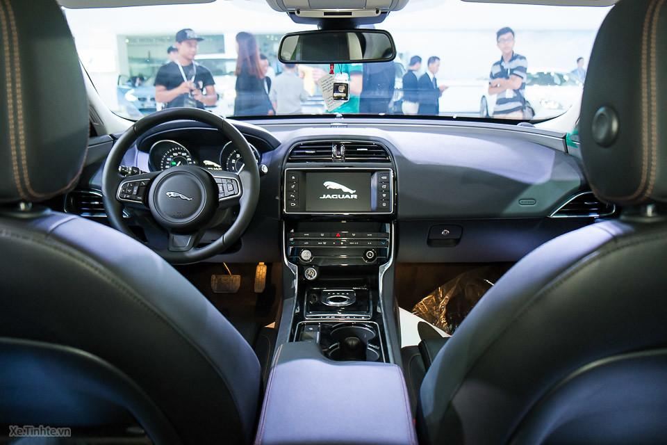 Nội thất Xe Jaguar Xe 25t prestige