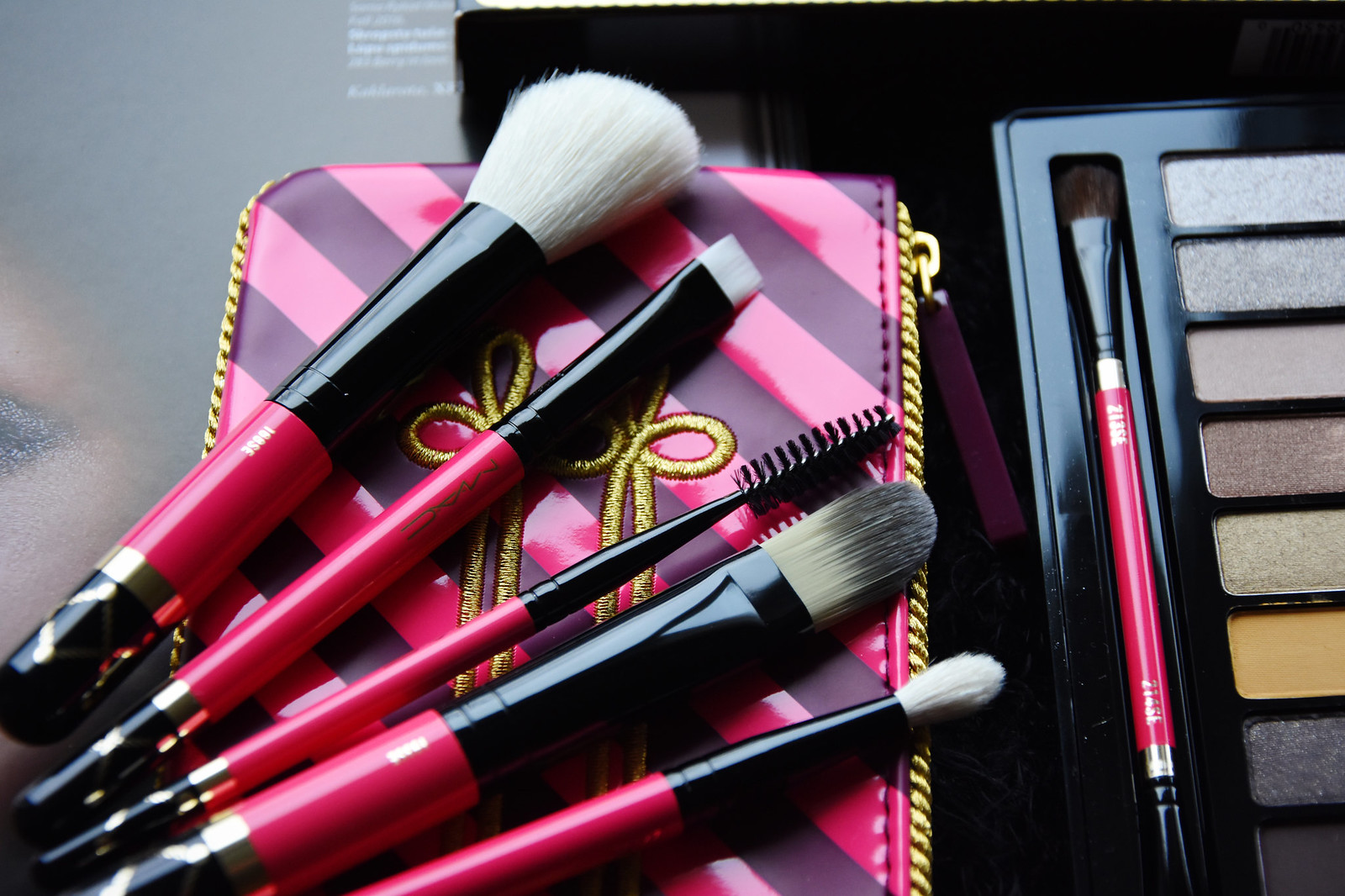MAC Nutcracker Sweet Contour Brush kit review
