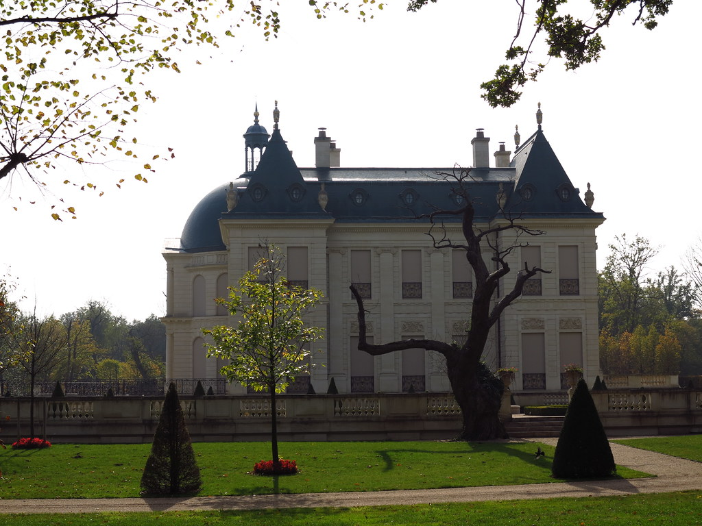 Le dernier ch teau le ch teau louis xiv construit en fra for Chateau louis 14 louveciennes