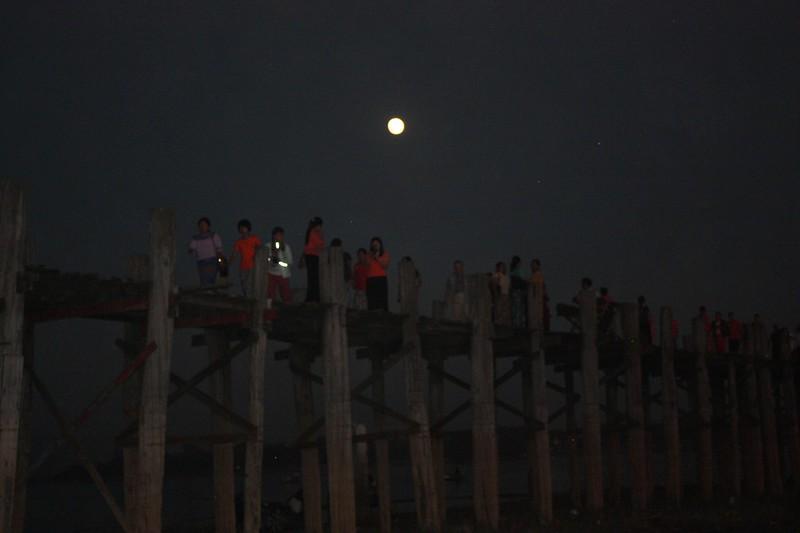 Ночь в Мандалае,
