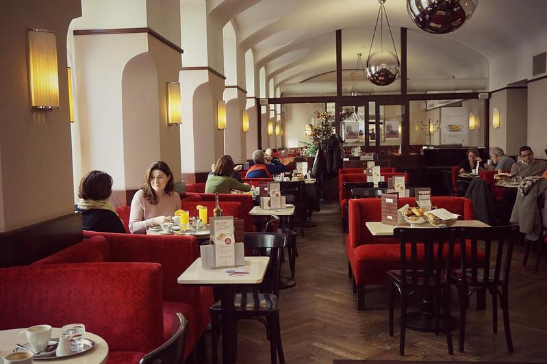 http://hojeconhecemos.blogspot.com.es/2015/12/cafe-museum-viena-austria.html