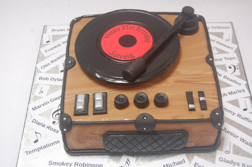 Perfect for a music fanatic, this cake has a real feel-good retro feel! The Record Player Cake - from £80.