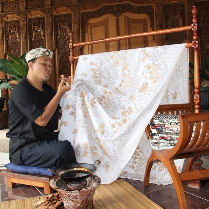 15-batikmaking