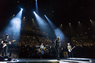 U2 i Paris, December 2015 (foto: U2start, Creative Commons)