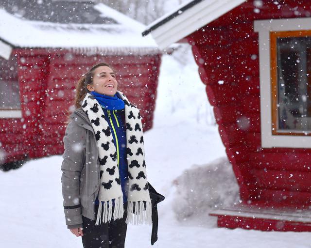 Diana bajo una nevada increíble con copos de nieve chulísimos en Noruega