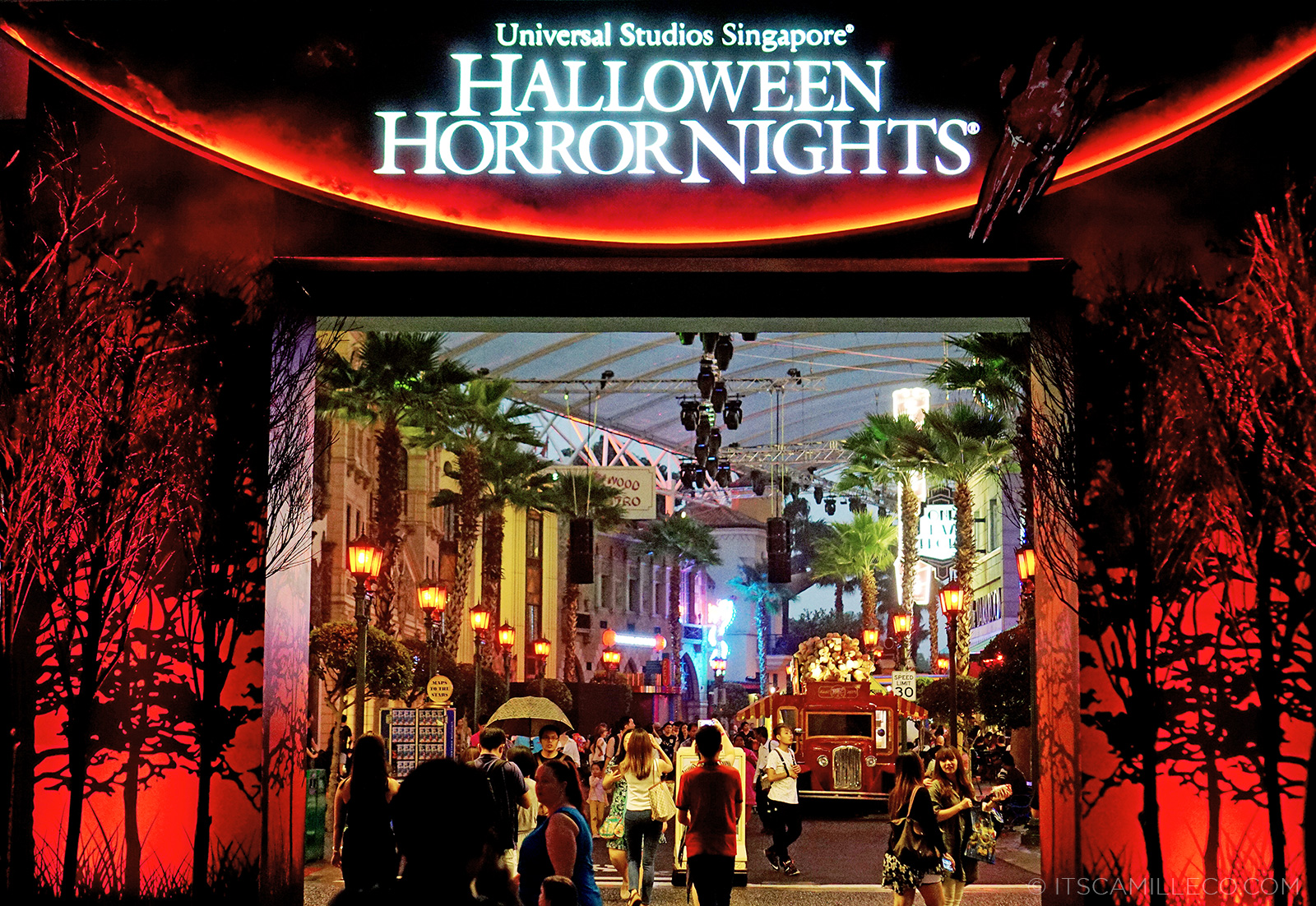 Halloween Horror Nights - Camille Tries to Blog | Camille Tries to ...