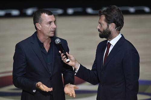 """Proli riceve la Coppa dello scudetto: """"Degni dei nostri antenati"""""""