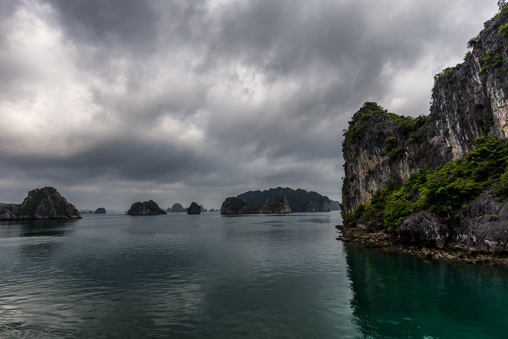 Halong Bay Cloudy Hạ Long Bay Is A Unesco World Heritage S Flickr