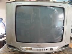 Tivi và đầu đĩa giá rẻ