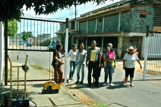 Se desata conflicto vecinal por cierre de calle en Unare IIen Puerto Ordaz