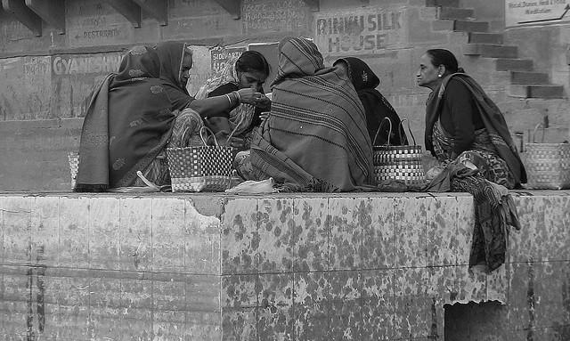 INDIEN, india, Varanasi (Benares) frühmorgends entlang der Ghats , 14441