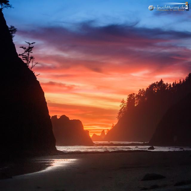 Split Rocks in dusk