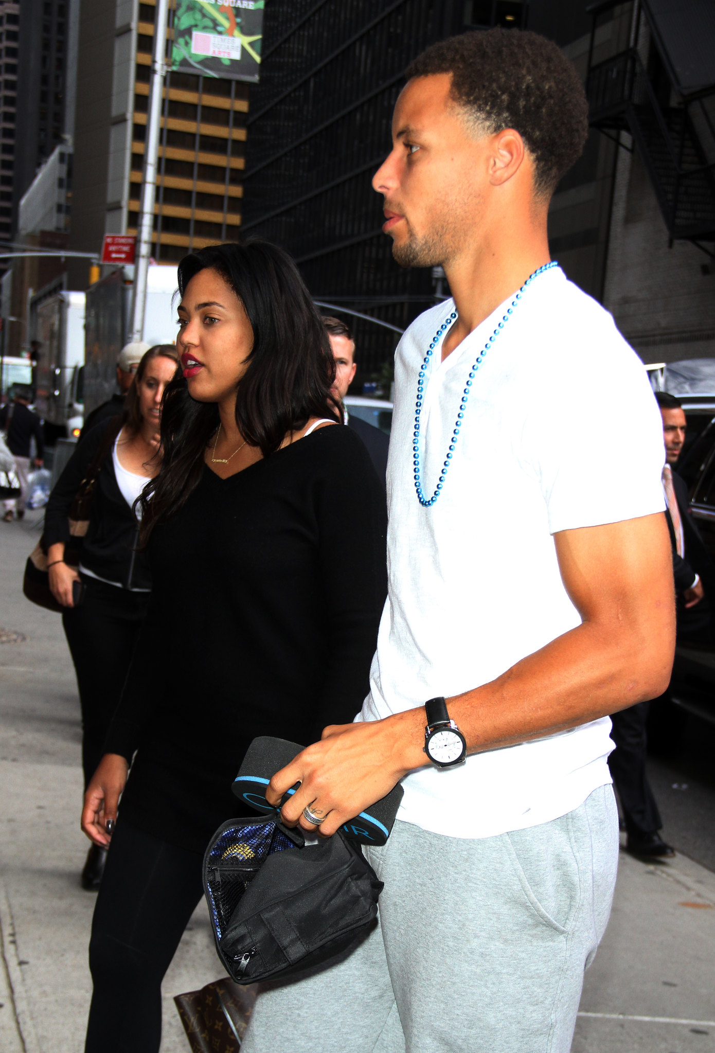 stephen curry arrives to the late show with steve colbert 92115 - Stephen Curry Wedding Ring