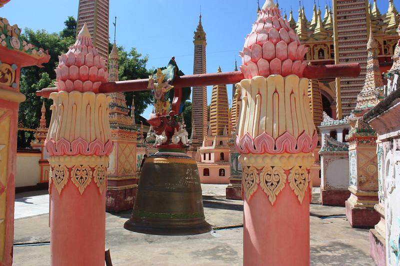 Окрестоности Монивы, храмы