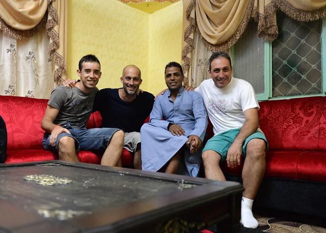 Todos con Suleyman en su casa, para que luego digan que es peligroso viajar a Jordania