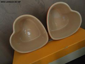 plats en grès en forme de coeur - LE CREUSET