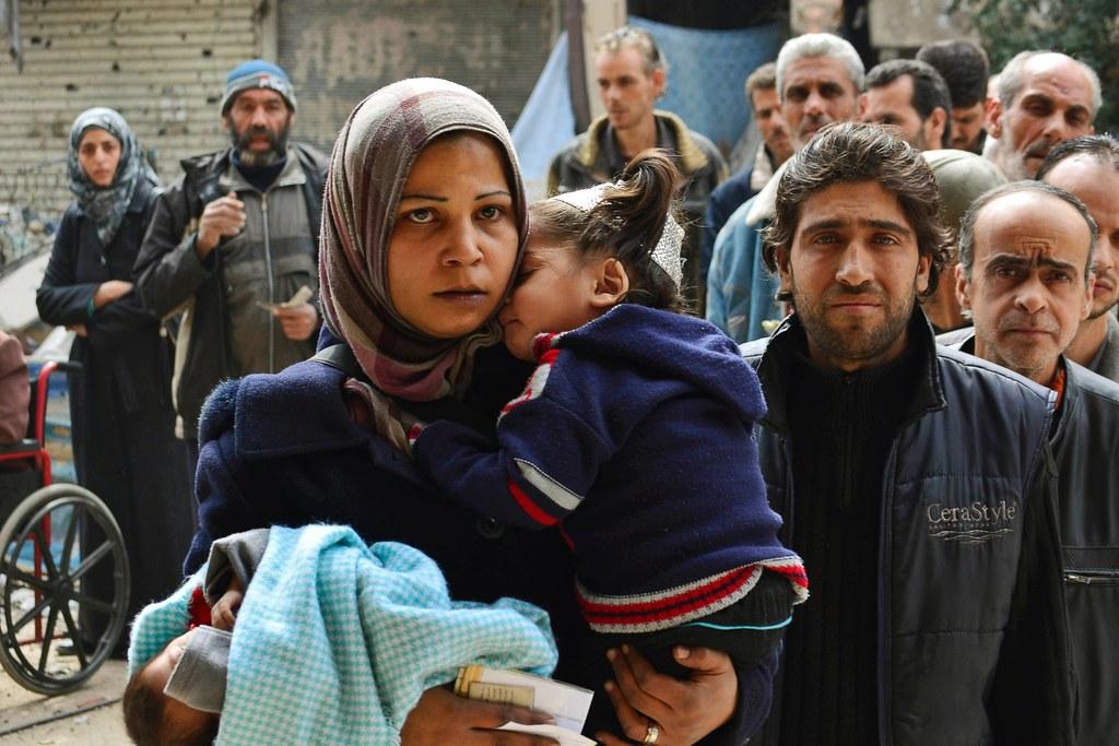 面對敘利亞人民顛沛流離的戰爭苦難,我們當然有「保護責任」,但這絕對不是畫出一個「邪惡」標靶所能達成的事。(照片來源:ABC News)