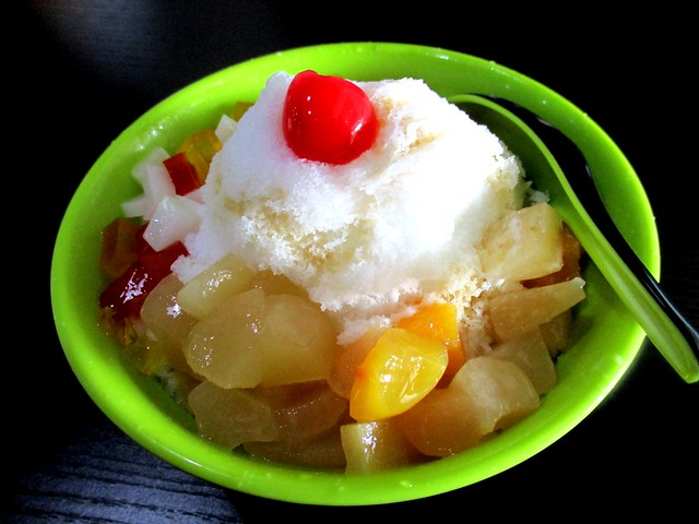 Mixed fruit snow ice
