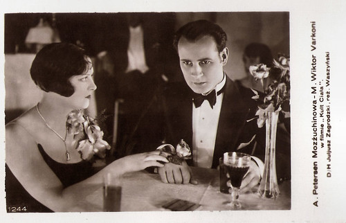 Agnes Petersen and Victor Varconi in Kult ciala (1930)