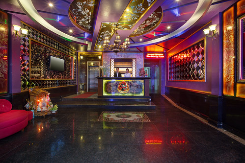 Phòng hát Tom Karaoke